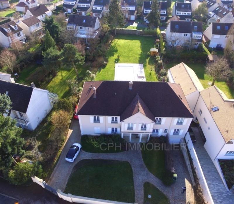 Deluxe sale house / villa Buc 1780000€ - Picture 1