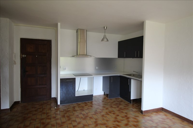 Location appartement Sallanches 580€ CC - Photo 2