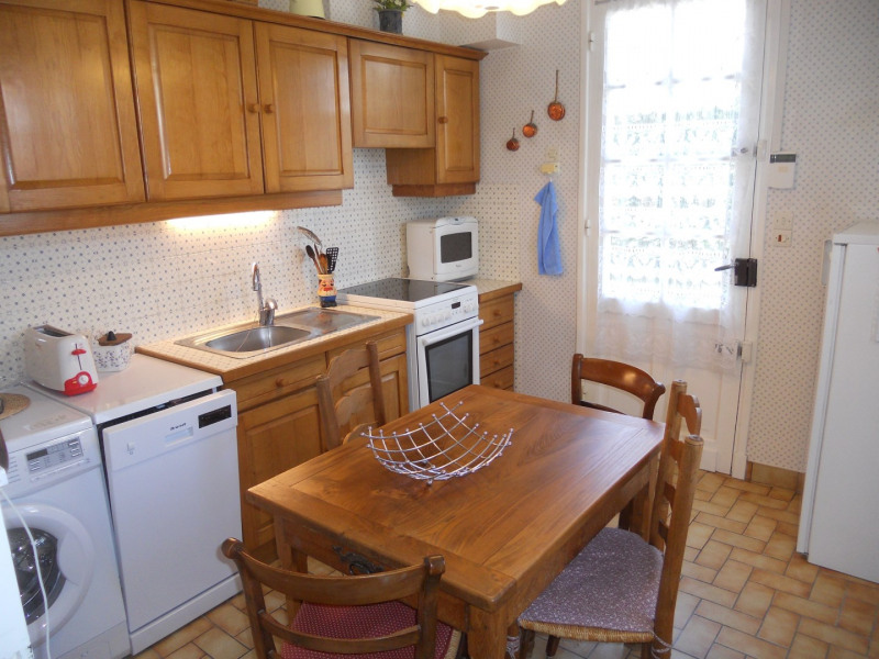 Vacation rental house / villa Royan 1 172€ - Picture 7