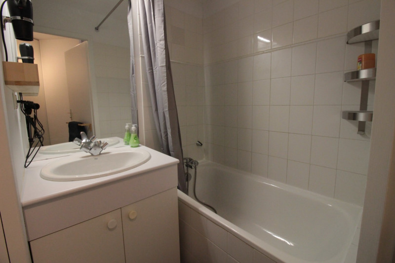 Vacation rental apartment Annecy-le-vieux 300€ - Picture 4