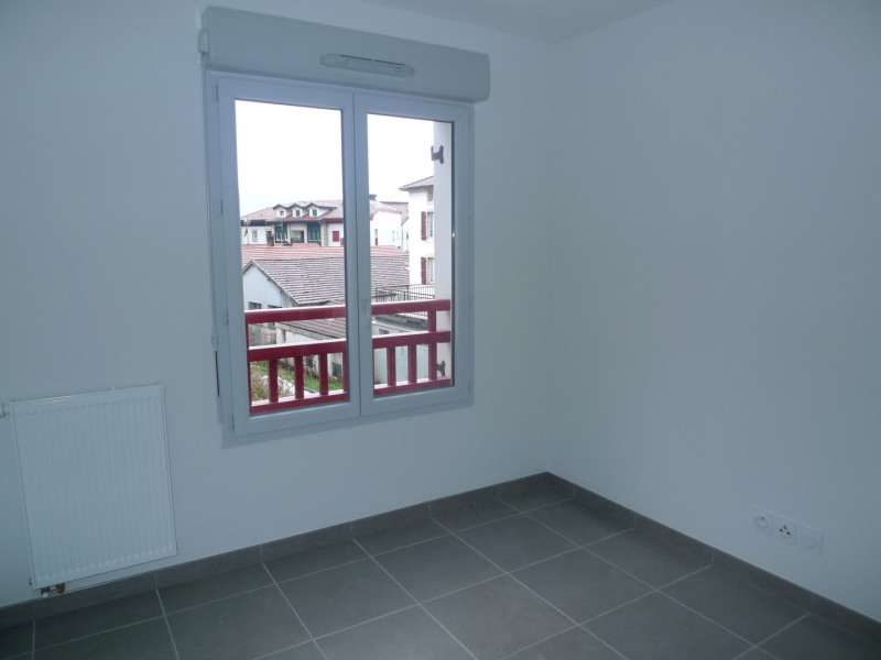 Rental apartment Hendaye 721€ CC - Picture 4