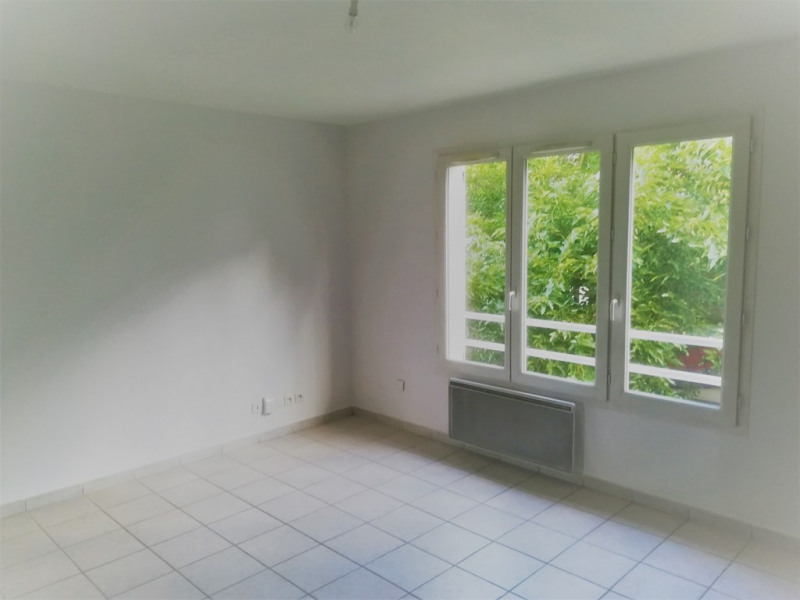 Location appartement Oullins 670€ CC - Photo 2