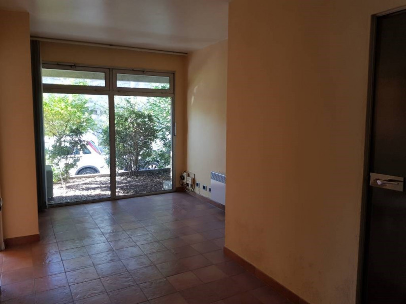 Location local commercial Avignon 590€ CC - Photo 2