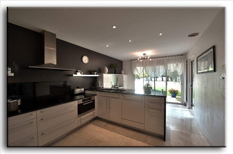 Deluxe sale house / villa Larmor plage 829500€ - Picture 2