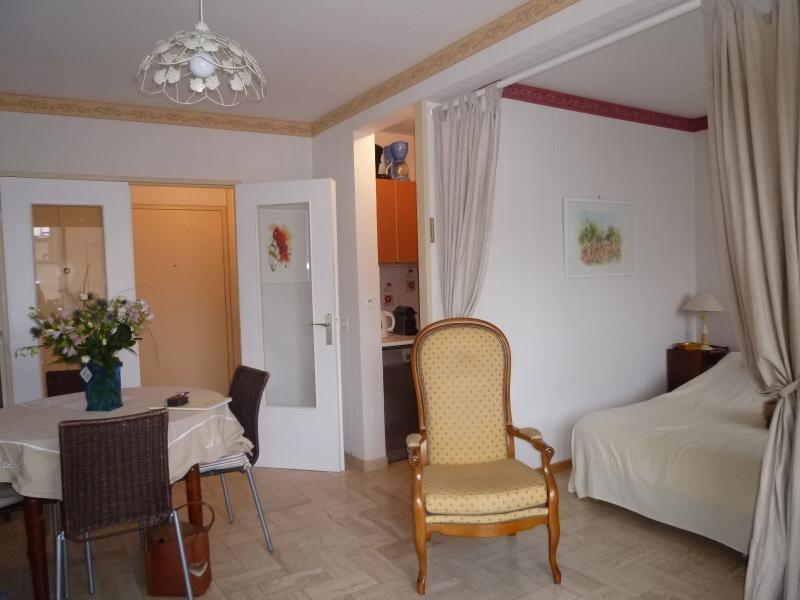 Sale apartment Vichy 79500€ - Picture 2