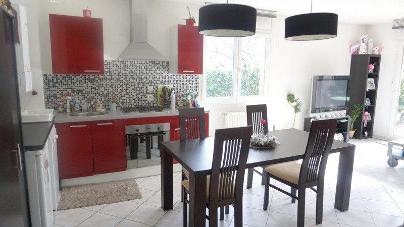 Sale apartment Archamps 222000€ - Picture 4