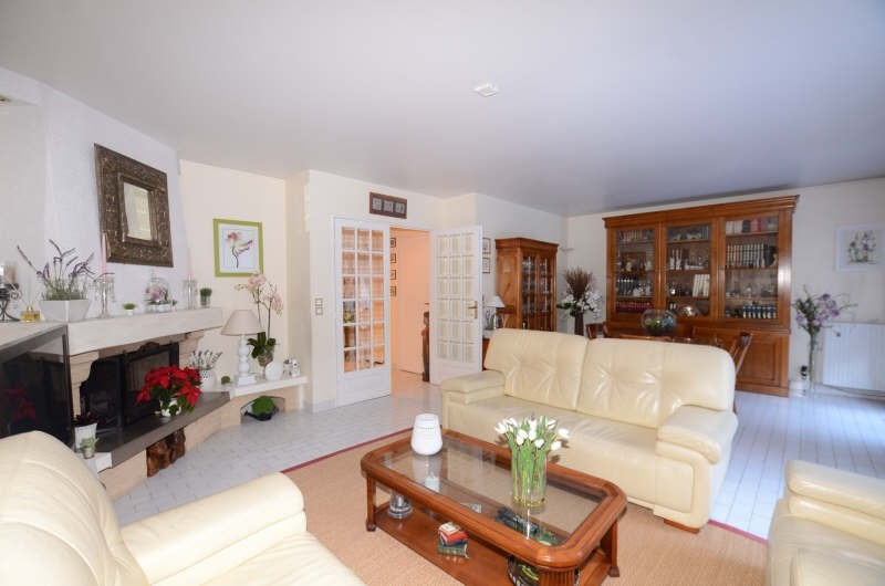 Vente maison / villa Fontenay le fleury 410000€ - Photo 3