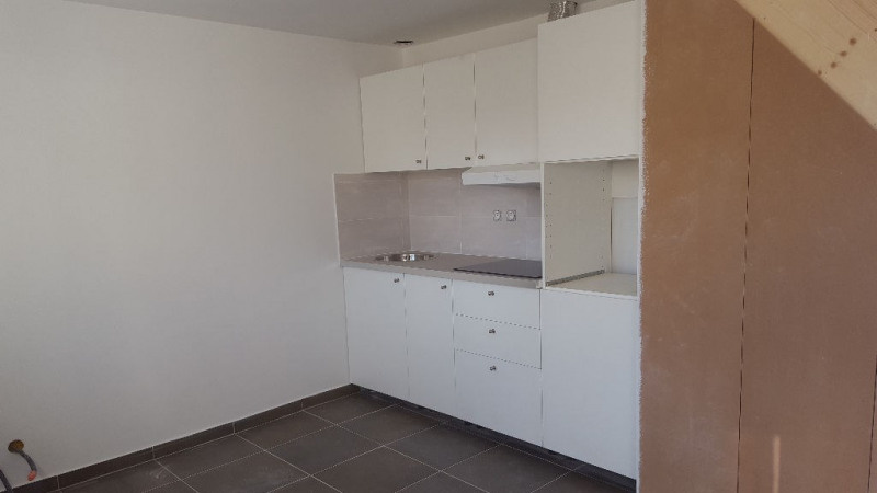 Location appartement Carrieres sous poissy 658€ CC - Photo 2