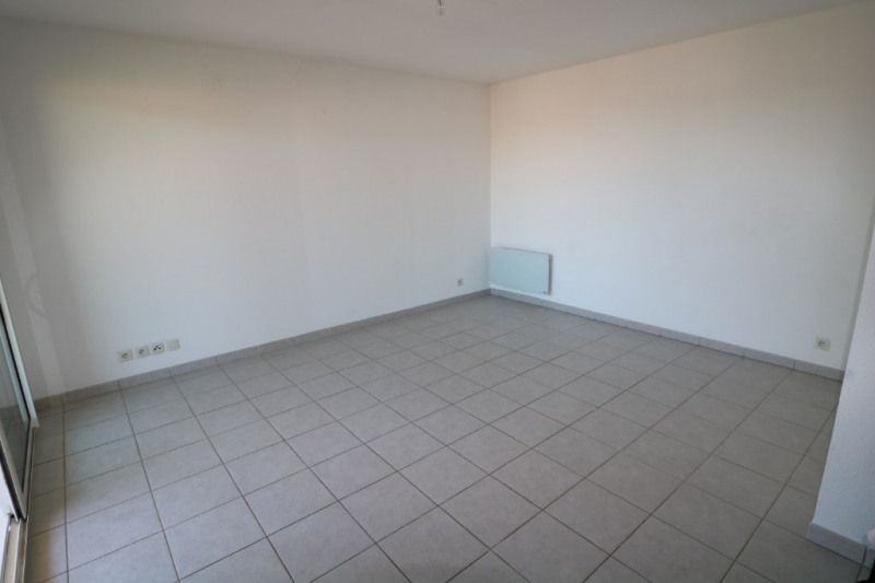Location appartement Saint chamas 750€ CC - Photo 3