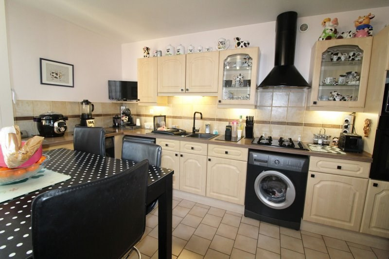 Sale apartment Elancourt 206000€ - Picture 1