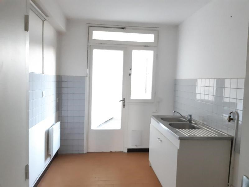 Location appartement Marseille 6ème 678€ CC - Photo 2