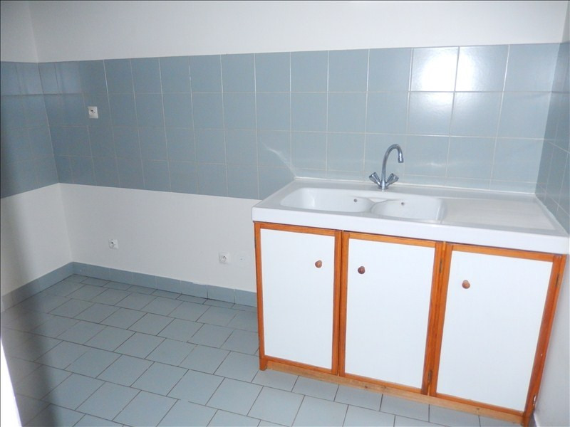 Rental apartment Le puy en velay 476,79€ CC - Picture 5