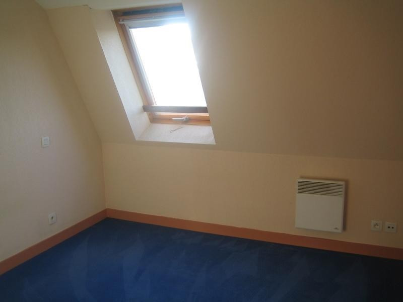 Rental apartment St ave 427€ CC - Picture 4