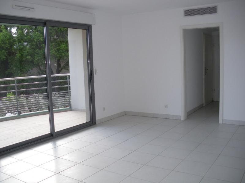 Rental apartment Saint-raphaël 1024€ CC - Picture 1