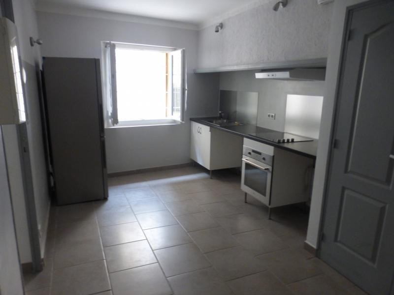 Rental apartment Eguilles 560€ CC - Picture 1