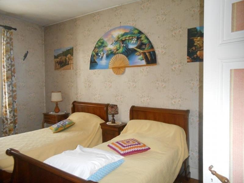 Vente maison / villa Montguyon 87700€ - Photo 8