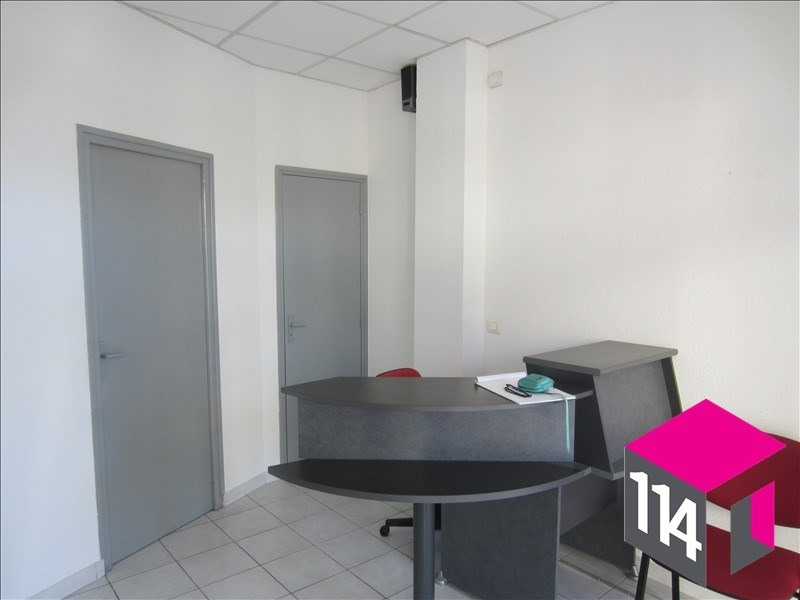 Location local commercial St bres 550€ HT/HC - Photo 3