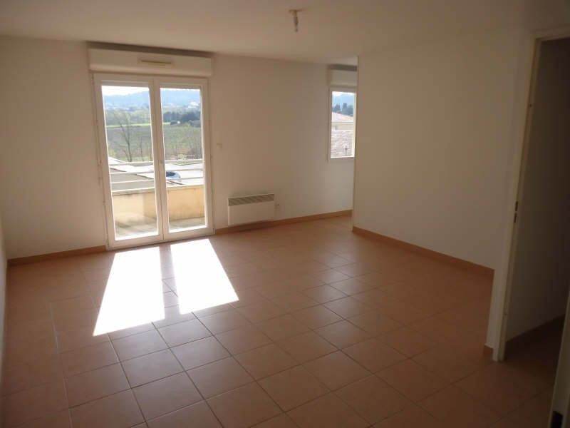 Location appartement Berriac 365€ CC - Photo 1