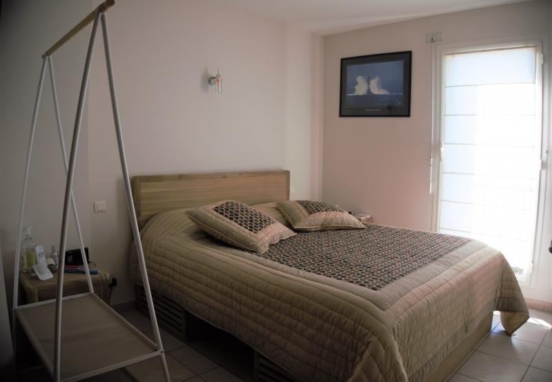 Sale house / villa Malemort du comtat 395000€ - Picture 5