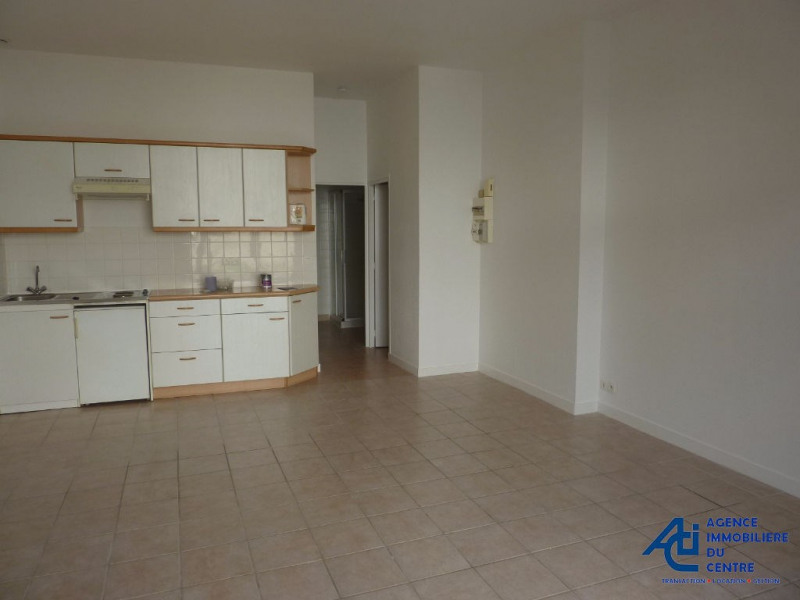 Rental apartment Pontivy 381€ CC - Picture 1