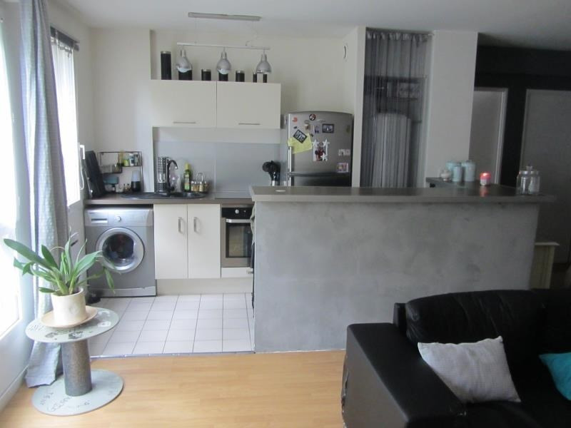 Sale apartment Osny 154000€ - Picture 2