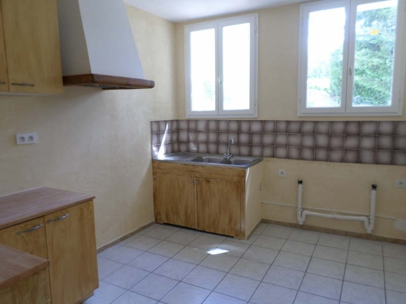 Rental apartment Salon de provence 765€ CC - Picture 6