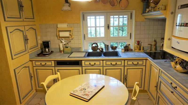 Sale house / villa Breval 272000€ - Picture 6