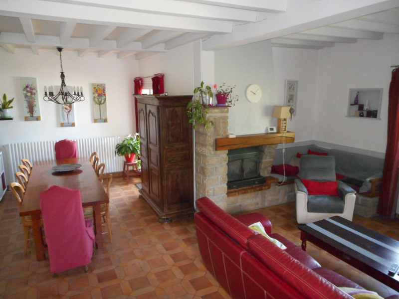 Sale house / villa Lons-le-saunier 262000€ - Picture 2