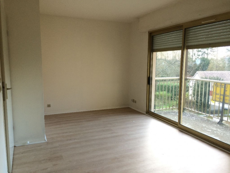 Rental apartment Verneuil d'avre et d'iton 370€ CC - Picture 1