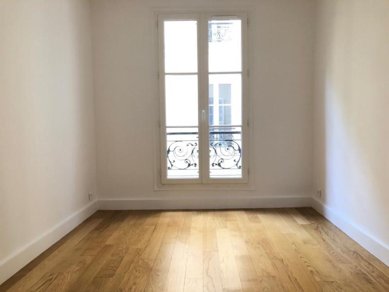 Rental apartment Paris 11ème 1816€ CC - Picture 2