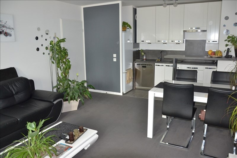 Sale apartment Osny 224700€ - Picture 1