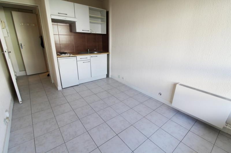 Rental apartment Maurepas 519€ CC - Picture 2