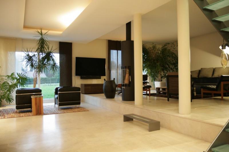 Deluxe sale house / villa Arthaz-pont-notre-dame 679000€ - Picture 2