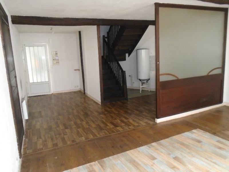 Sale apartment Oloron sainte marie 74000€ - Picture 2