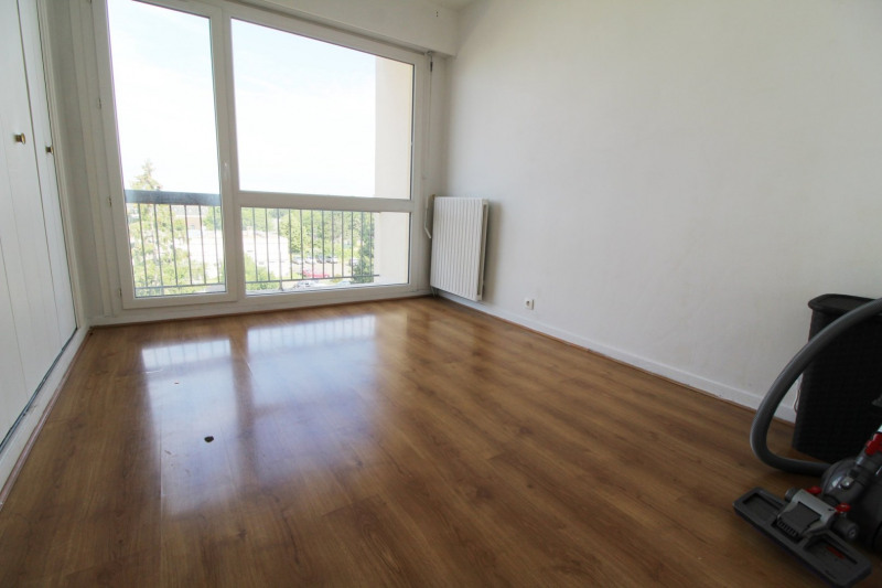 Location appartement Maurepas 785€ CC - Photo 5