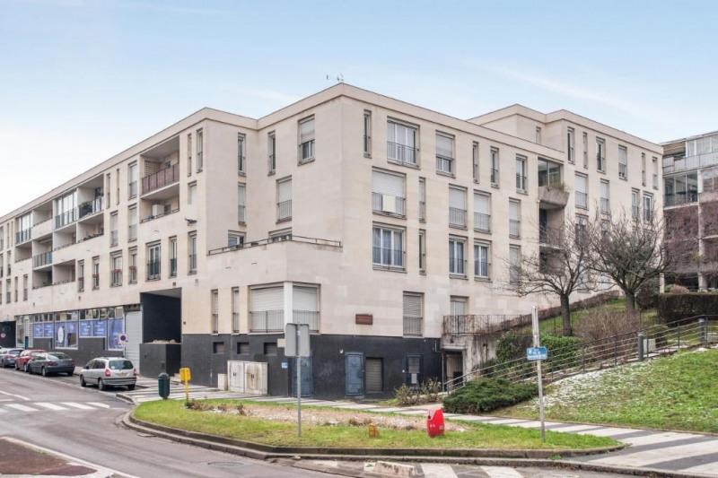 Sale apartment Chatou 398500€ - Picture 1