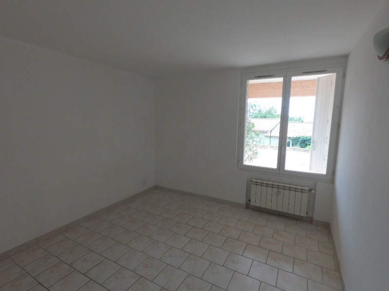 Location appartement Eguilles 704€ CC - Photo 6
