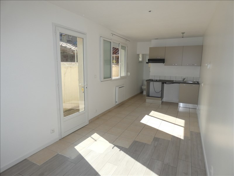 Rental apartment Montelimar 320€ CC - Picture 1