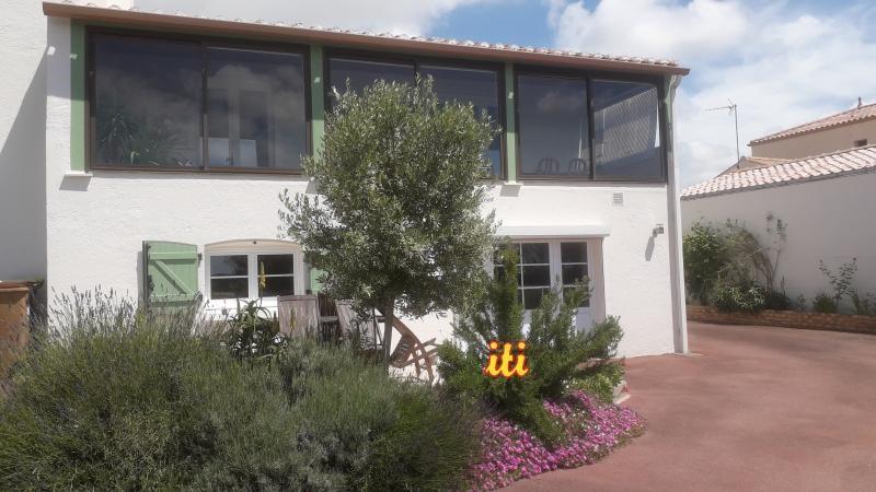 Sale house / villa L ile d'olonne 439000€ - Picture 1