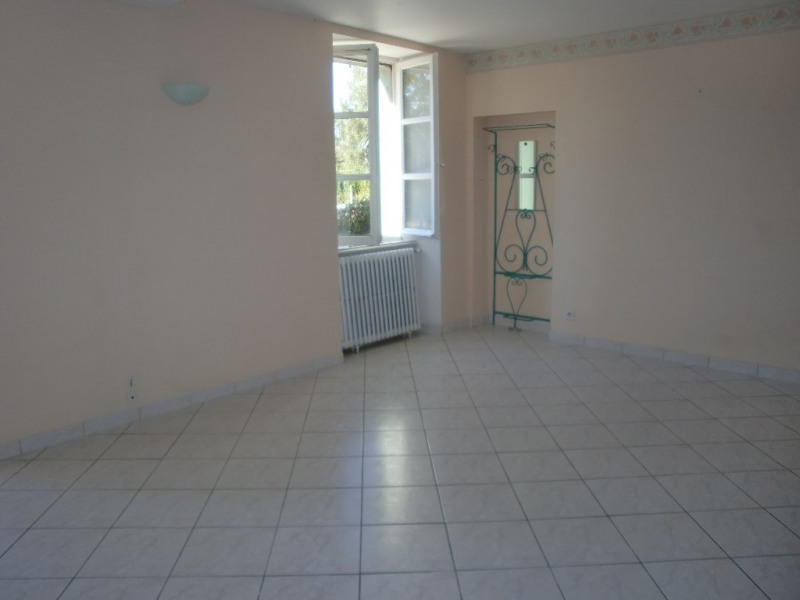 Location maison / villa Quelaines saint gault 620€ CC - Photo 5