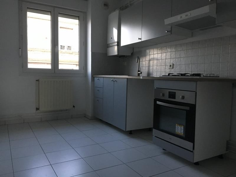 Location appartement Ste colombe 910€ CC - Photo 3