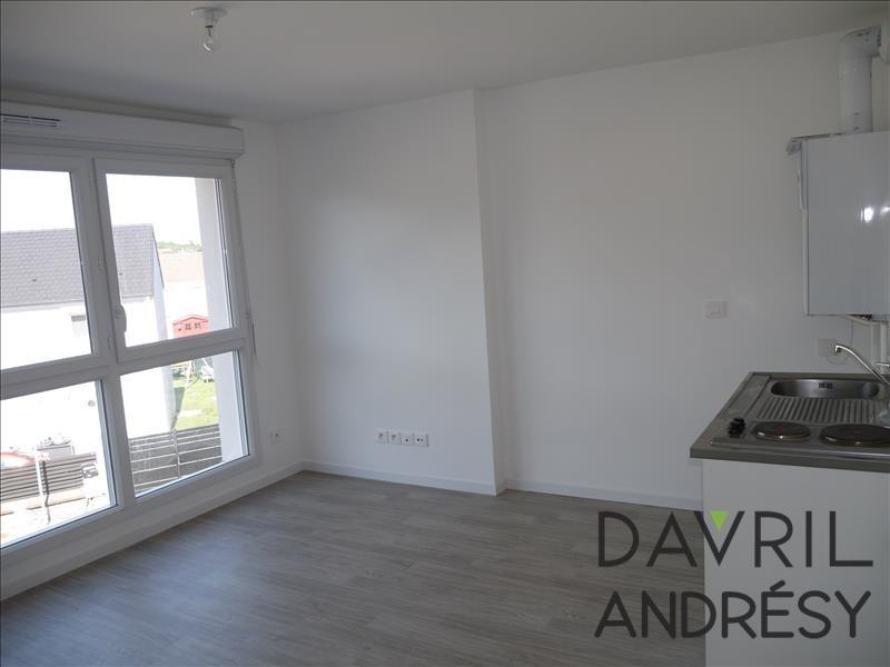 Locação apartamento Chanteloup les vignes 435€ CC - Fotografia 1