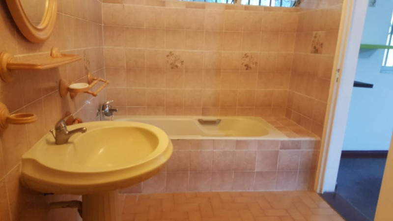 Rental house / villa Le gosier 850€ CC - Picture 4