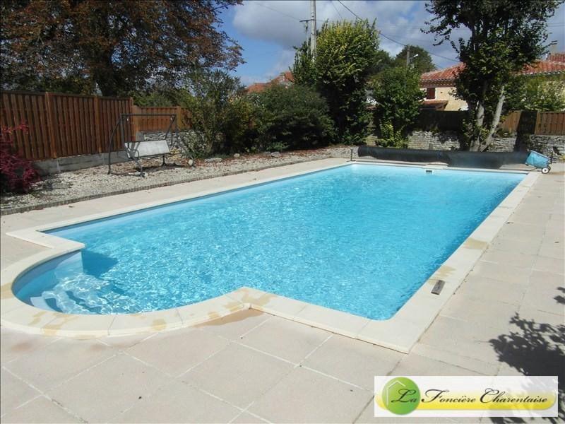 Sale house / villa Aigre 286000€ - Picture 3