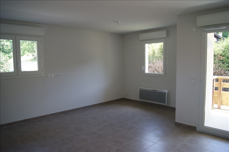 Rental apartment Mont saxonnex 800€ CC - Picture 2