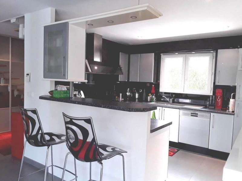 Deluxe sale house / villa Gaillard 625000€ - Picture 4