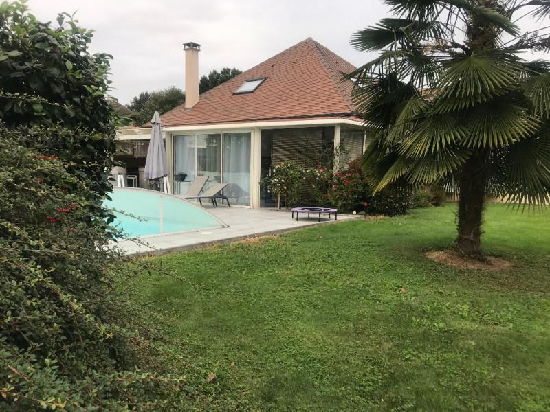 Sale house / villa Buros 399000€ - Picture 1