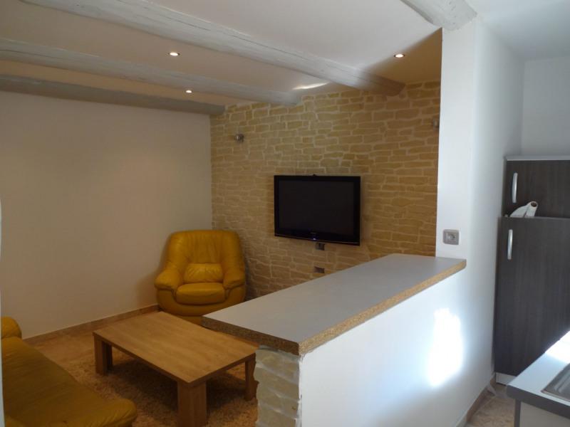 Rental apartment Entraigues sur la sorgue 550€ CC - Picture 1