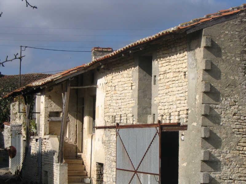 Sale house / villa St fraigne 120000€ - Picture 5