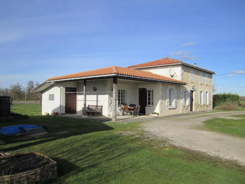 Sale house / villa Barbezieux-saint-hilaire 147 000€ - Picture 1